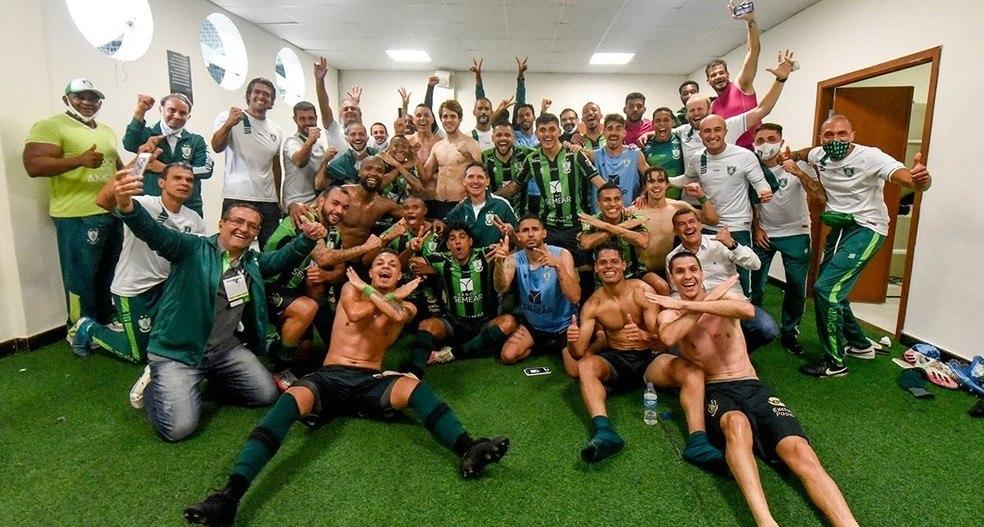 América Mineiro comemorou muito ter eliminado o Corinthians. E receber R$ 3,3 milhões