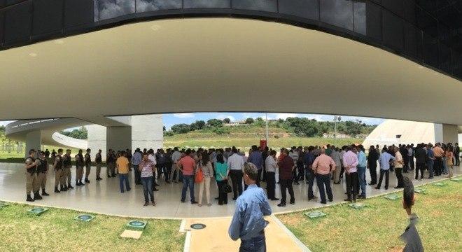 Prefeitos já fizeram protesto contra confisco dos repasses do Governo de Minas