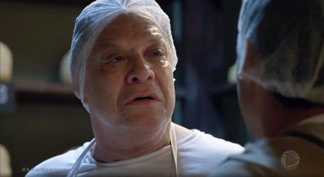 Oxente sofre com desaparecimento de Antônio Júnior e é consolado pelo filho
