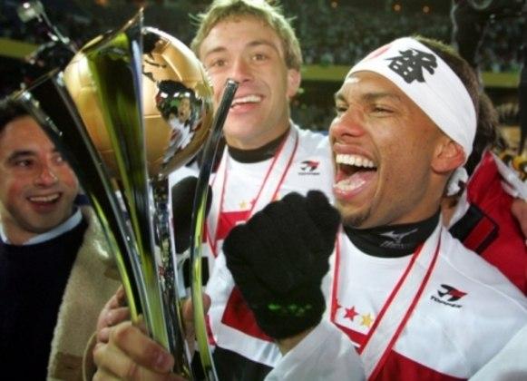 Amoroso: após se destacar no Borussia Dortmund na década de 90, foi deixado de fora da convocação para a Copa de 1998. Em seguida, seria mais uma vez impedido de disputar uma Copa em 2002.
