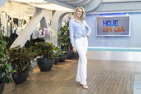 Ana Hickmann durante gravação do 'Hoje em Dia'