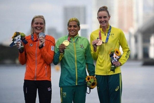 Ana Marcela esteve entre as primeiras desde a primeira das sete voltas. Ela fechou a etapa em 1h59m30s8. A holandesa Sharon van Rouwendaal (ouro na Rio-2016), com tempo de 1h59m31s7, e a australiana Kareena Lee, com tempo de 1h59m32s5, completaram o pódio com a prata e bronze, respectivamente.
