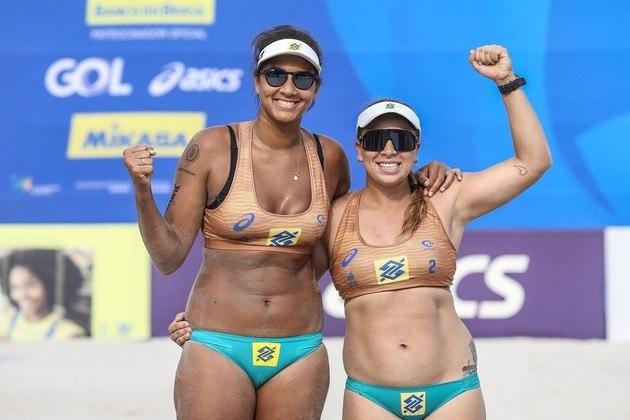 Ana Patrícia e Rebecca jogam a segunda partida do vôlei de praia, contra uma dupla da Letônia, às 23h.