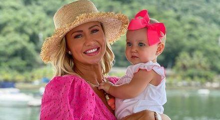 Ana Paula Siebert é mãe de Vicky, de 9 meses