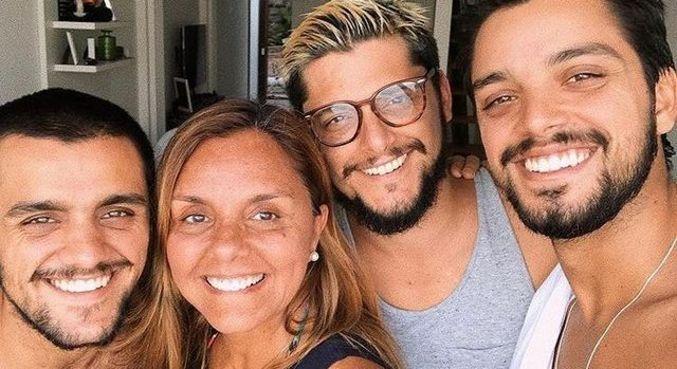 Ana Sang é mãe dos atores Felipe e Rodrigo Simas e Bruno Gissoni