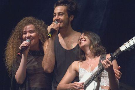 Tiago Iorc e Anavitória tentam manter a amizade