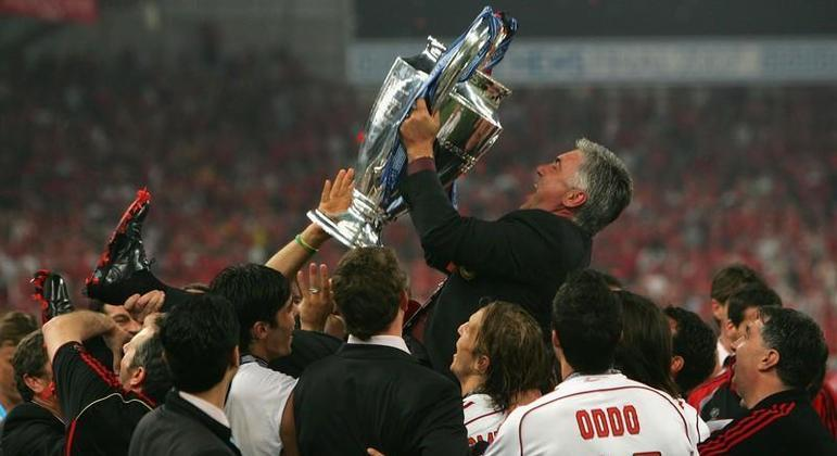 Carlo Ancelotti, com o Milan de 2006/2007