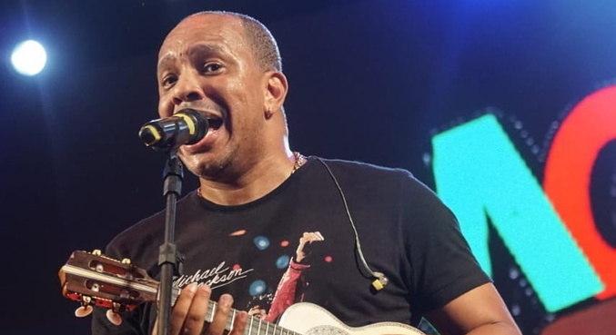 Vocalista do grupo Molejo, Anderson Leonardo terá que prestar depoimento
