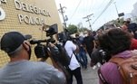 Diante das acusações da vítima, Anderson divulgou uma nota para a imprensa negando a versão da vítima. Além disso, ele se disse