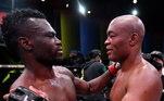 A última luta de Anderson Silva foi no dia 31 de outubro, quando ele foi derrotado pelo lutador jamaicano Uriah Hall. Logo após o confronto, Dana White chegou a dizer que não ofereceria mais lutas ao brasileiro e que ele deveria parar