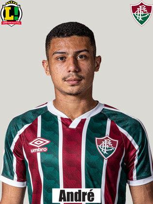 André - 5,0 - Fez parte de um primeiro tempo inseguro do Fluminense e chegou forte em algumas faltas, mas acabou sendo substituído no intervalo, apesar de ter sido mais seguro que Yuri.