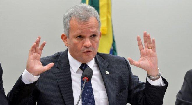Figueiredo: Tabata contrariou o partido em praticamente todas as votações importantes da Previdência