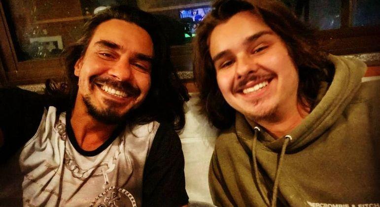 André Gonçalves revê filho após um ano e meio