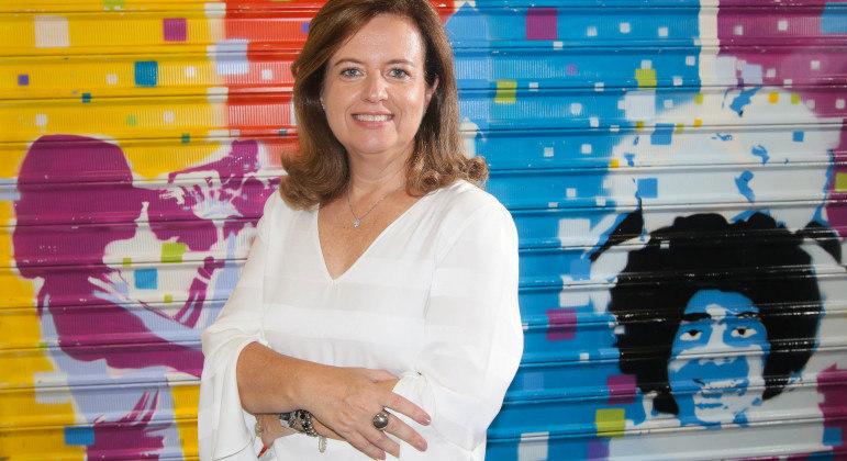 Andrea Gomides deixou carreira promissora como executiva para dedicar-se a ações sociais