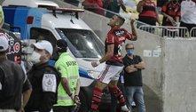 Flamengo nem precisou se esforçar na caça ao Atlético Mineiro. Athletico entrou com reservas