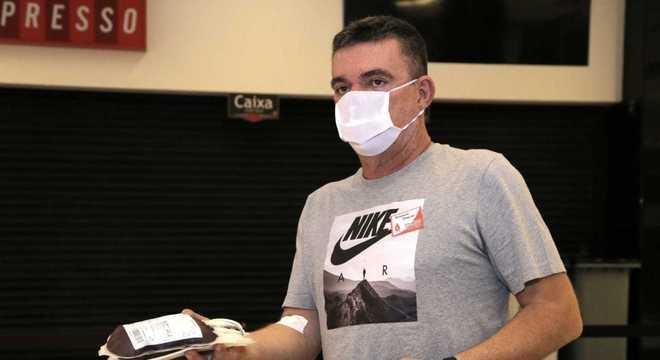 Andrés proíbe seus jogadores de fazerem exames para detectar coronavírus