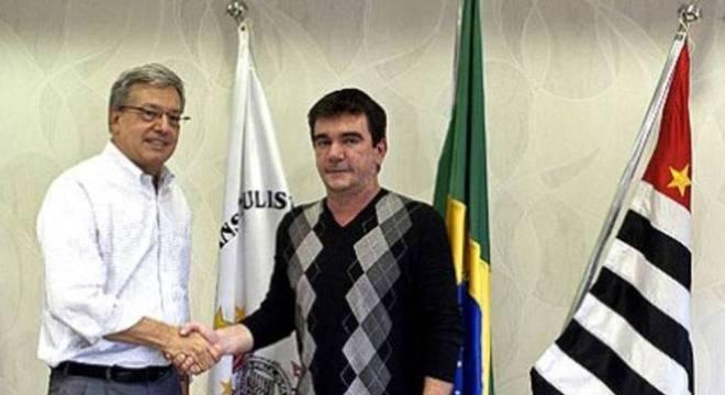 Andrés e seu amigo, o ex-executivo de futebol da Globo, Campos Pinto