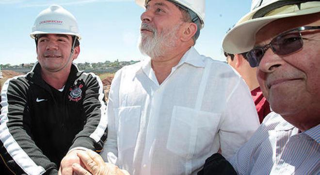 Andrés, Lula e Odebrecht comemorando o Itaquerão