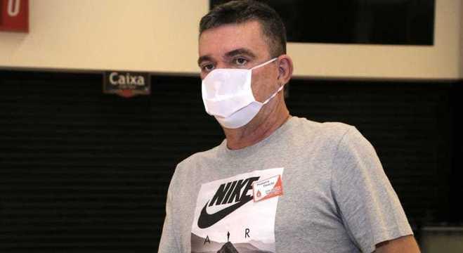 Andrés não aceita a volta do futebol em plena alta dos casos de coronavírus