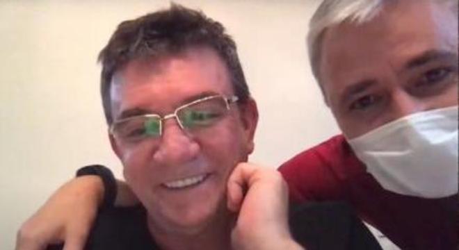 A alegria de Andrés e de Tiago Nunes. Jô dará força ofensiva ao Corinthians