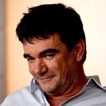 Andrés, eufórico.Conseguiu empresa para pagar R$ 350 milhões para batizar o Itaquerão