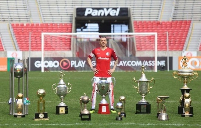 Andrés D'alessandro - 40 anos - Clube atual: Nacional-URU (Grupo F)