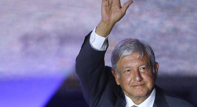 López Obrador é o 1º esquerdista em décadas a assumir o poder no México