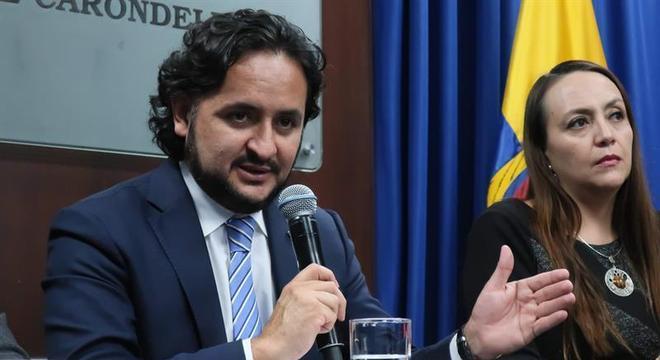 Ministro das Comunicações Andrés Michelena acusa ex-funcionários do governo