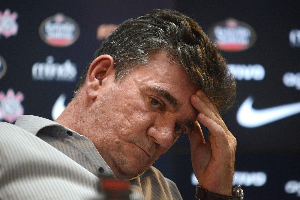 Andrés Sanchez percebeu que Tiago Nunes perdeu o comando dos jogadores