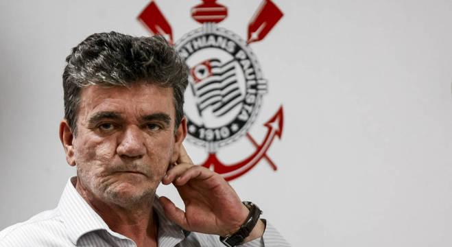 """""""O problema é quando se diz 'não' a um amigo pelo Corinthians"""", diz Andrés"""