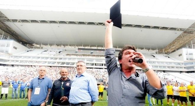 """""""Eu já teria devolvido o estádio. Só trouxe problemas financeiros ao Corinthians"""""""