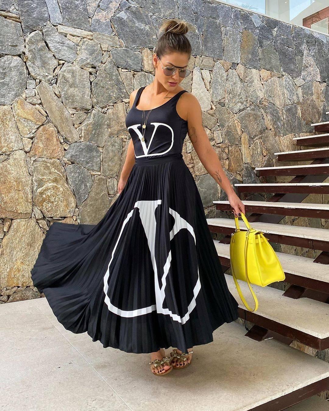 Andressa combinou o look Valentino com uma bolsa Hermés