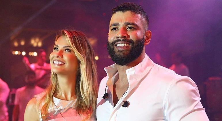 """Gusttavo Lima e Andressa Suita exibiam uma """"vida feliz"""" em publicações nas redes sociais"""
