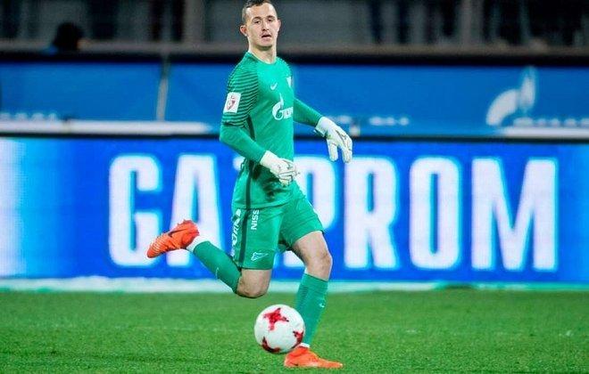Andrey Lunev (goleiro - 29 anos - russo) - Fim de contrato com o Zenit - Valor de mercado: 5 milhões de euros