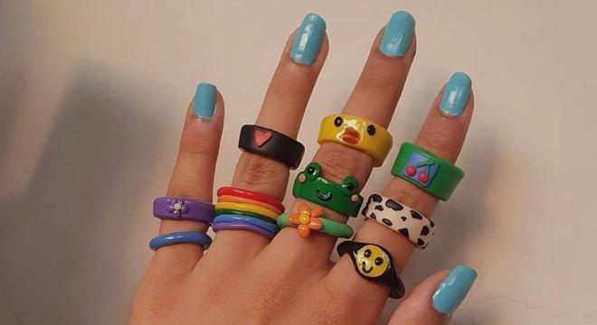 anéis coloridos