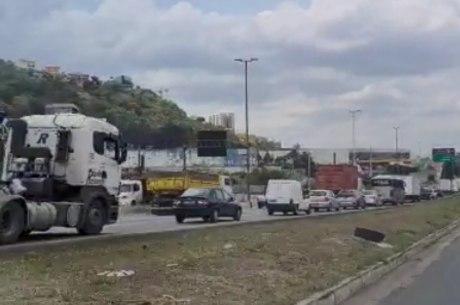 Acidente gerou congestionamento de 4 km