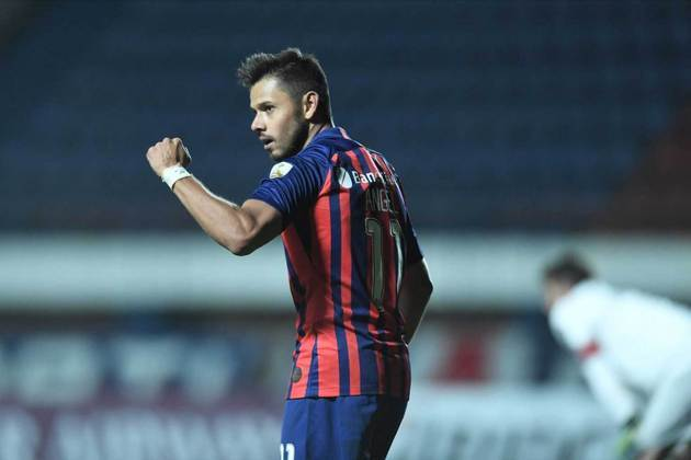 Ángel Romero (29 anos) - Atacante - Sem time desde agosto de 2021 - Último clube: San Lorenzo - Valor de mercado: 6 milhões de euros (R$ 37,2 milhões)