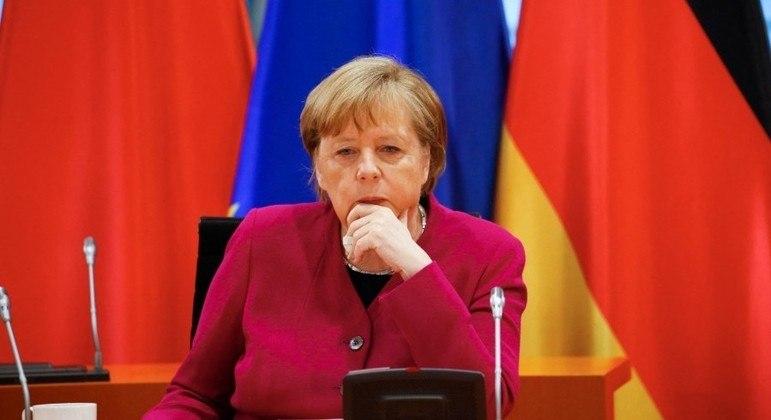 Medidas de Merkel em relação ao clima são consideradas insuficientes