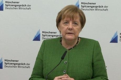 Chanceler alemã expressou condolências às vítimas