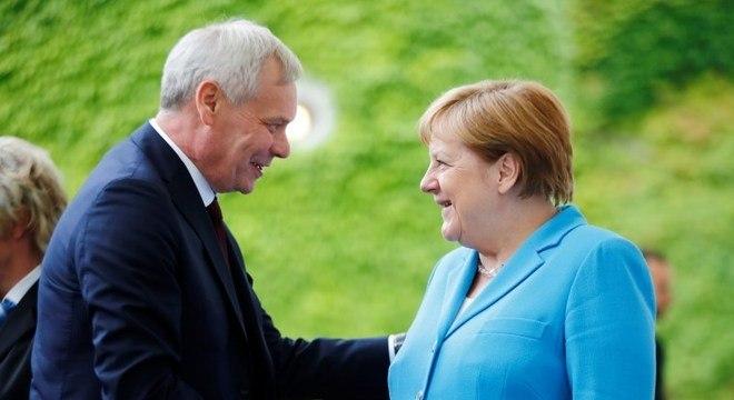 Merkel apresentou tremores em evento com o premiê finlandês Antti Rinne