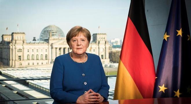 Merkel foi eleita chanceler em 22 de novembro de 2005