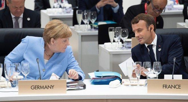 Durante evento no Japão, Bolsonaro discutiu com Merkel e Macron a pauta ambiental brasileira. 'Indígenas têm que ser integrados à sociedade'