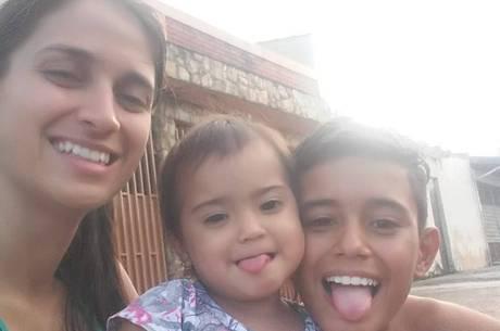 Angela, de 31 anos, foi assassinada na frente dos filhos