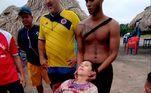 Angelina disse posteriormente que ficara cerca de oito horas à deriva e sofria de exaustão extrema e hipotermia
