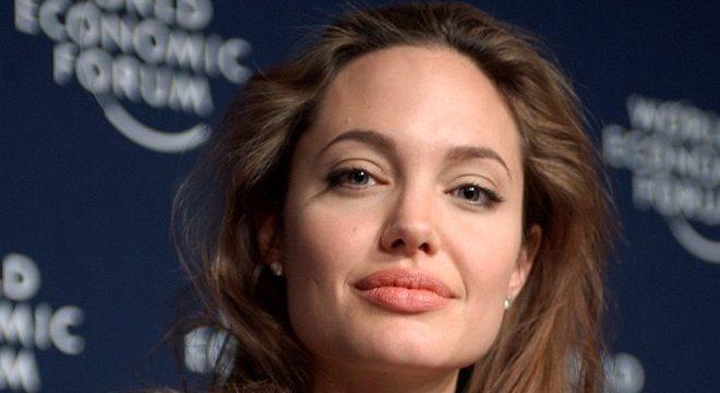 Angelina Jolie anuncia série para ajudar jovens a identificar fake news