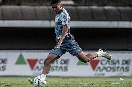 Ângelo Gabriel celebrou estreia no profissional