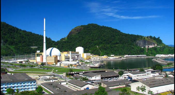 Brasil possui duas usinas nucleares: Angra 1 e 2, no estado do Rio de Janeiro