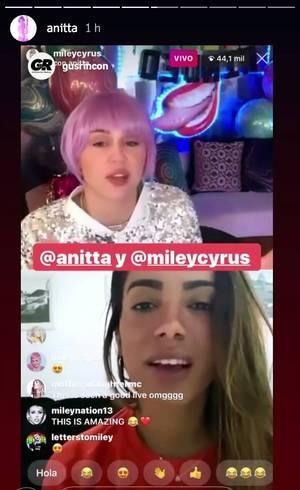 Miley Cyrus e Anitta em live