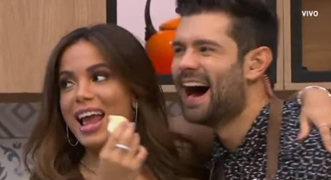 Anitta e Juan se entenderam bem no programa