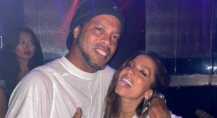 Anitta e Ronaldinho juntos em Miami
